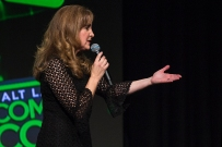 Jodi Benson, best known as the voice of Ariel in The Little Mermaid, held a main stage Q&A panel before ending with a performance of Part of Your World at Salt Lake Comic Con on September 22, 2017. Salt Lake Comic Con was held from September 21-23.